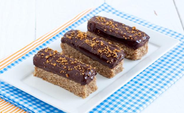 חטיף לוטוס עם שוקולד מריר (צילום: אולגה טוכשר, אוכל טוב)