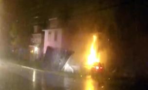 צפו: תאונת הדרכים שגרמה לבית לקרוס (צילום: LiveLeak)