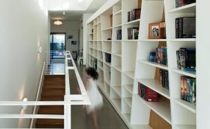 מעברים, מסדרון, מכמנים (צילום: לוסיאנו סנטנדראו, saab אדריכלים)