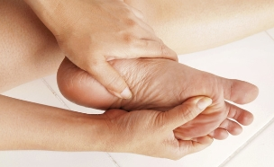 כפות רגליים (צילום: Paisan Changhirun, Shutterstock)