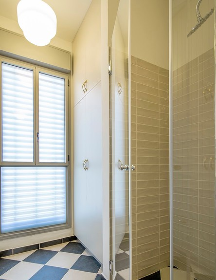 שושי אורן, ג, מקלחת (31) (צילום: עידן גור)