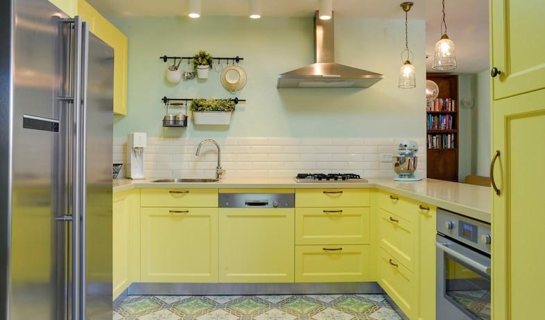 ארונות מטבח, להעז עם הצבע. עיצוב שני רינג (צילום: אדריאן דודה)