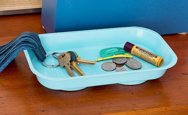 ארגון 03, מגש מגנטי למפתחות (צילום: Burcu Avsar, thisoldhouse.com)
