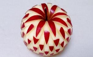 תפוח מקושט (צילום: Mutita Edible Art)