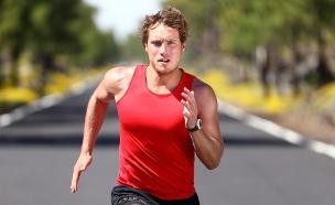 גבר רץ (צילום: Shutterstock, מעריב לנוער)