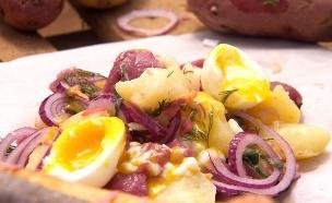 סלט תפוחי אדמה (צילום: צילום מסך מתוך התכנית, אוכל עם ברק)