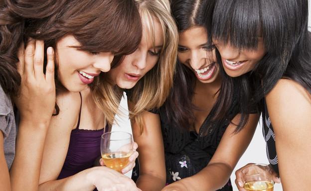 ערב בנות מושלם (צילום: Fuse, GettyImages IL)