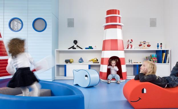 גני ילדים 10, כל כיתה עוצבה סביב נושא מרכזי אחר (צילום: עמית גרון, תכנון-לב גרגיר אדריכלים, עיצוב פנים-שרית שני חי)