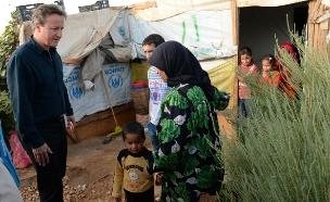 מצוקת הפליטים: קמרון נחת בביירות (צילום: רויטרס)