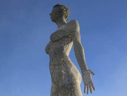 ברנינג מן פסל האישה הענק  (צילום: נועם אקהויז)