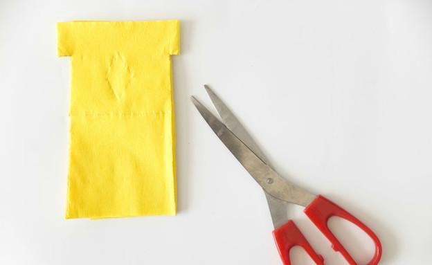 קישוטי סוכות, דגלוני נייר (צילום: טטיאנה פאוטוב)
