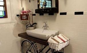 אופניים, מעמד לכיור (צילום: buzzfeed.com)