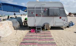 חופים, זולת בנות, קראוון (צילום: אבישי פינקלשטיין)