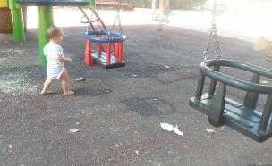 גן משחקים עם משטח גומי (צילום: mako)