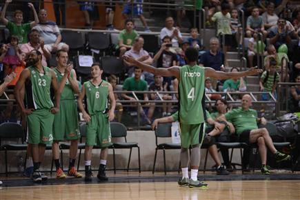 סלסטין, כיכב בתחרות ההטבעות (צילום: מיכה קיזנר, מכבי חיפה) (צילום: ספורט 5)