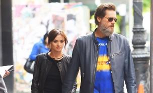ג'ים קארי ובת הזוג לשעבר, אוקטובר 2015 (צילום: Splashnews, splash news)