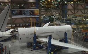 צפו: מרכיבים את המטוס הטוב בעולם (צילום: בואינג)