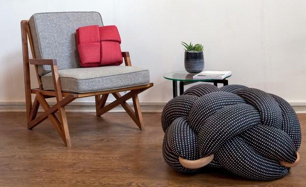 דירה צעירה, כריות ישיבה של Knots studio 340 - 1,490 שקל  (צילום: עמי טסלר)