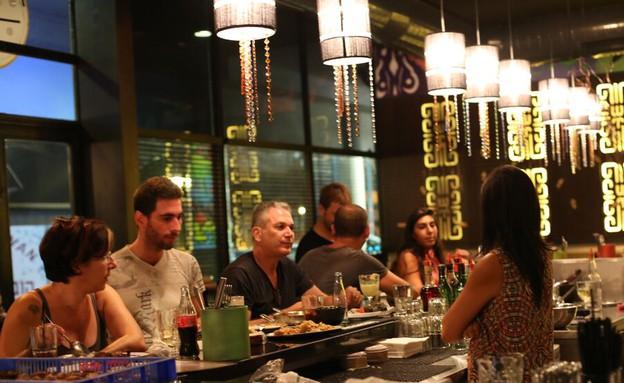 מסעדת מקלובר (צילום: טדי הרוש)