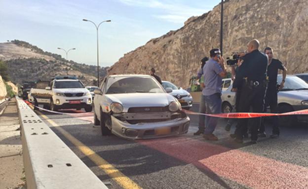 זירת הפיגוע סמוך למחסום א-זעים