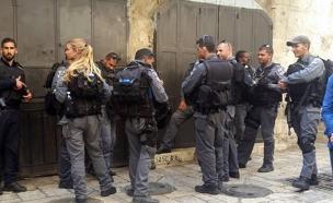 שוטרים בעיר העתיקה בירושלים (צילום: עמית וולדמן, חדשות 2)