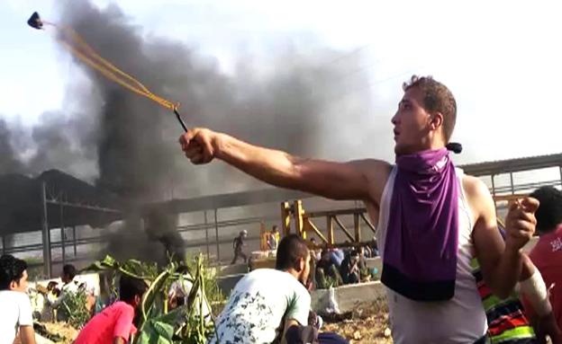התפרעויות בעזה (צילום: חדשות 2)