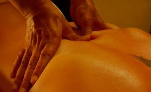 טיפולי ספא-ידיים עושות טיפול רקמות עמוק (צילום: אור גץ)