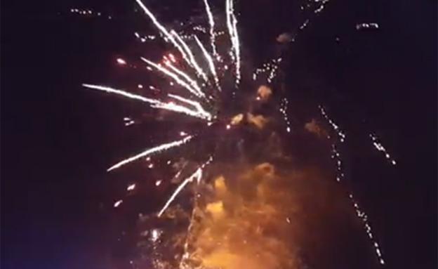 צפו: שריפה הציתה מופע זיקוקים
