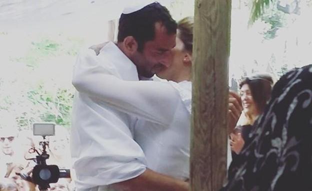 מיקה קרני התחתנה אוקטובר 29