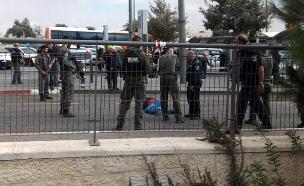 פיגוע דקירה בירושלים הדוקר אנוש הנדקר בינוני(ללא) (צילום: חדשות 2)