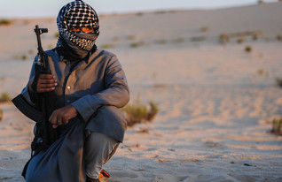בדואי חמוש בסיני (צילום: Mosa'ab Elshamy, GettyImages IL)