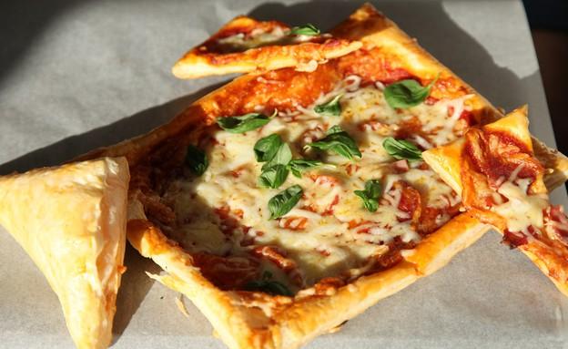 בורקס פיצה (צילום: שמרית קליש, אוכל טוב)