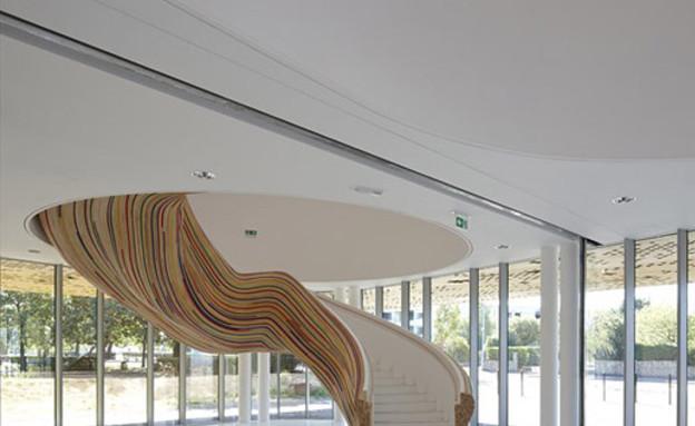 מדרגות מיוחדות 03, תחתית עץ מפוספסת בעיצוב Tetrarc (צילום: Tetrarc )