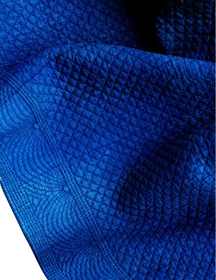עוצמת הרכות, קווילט פרובנסלי כחול, 150-275 שקל (צילום: יחצ חפצים)