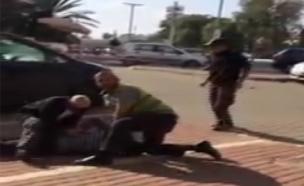 המאבטח שגרם לתקיפתו של צעיר מרהט לא עבר הכשרה (צילום: חדשות 2)