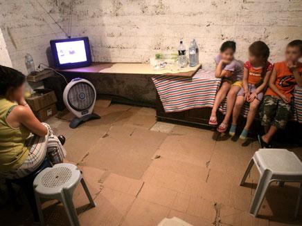 מקלט, ילדים (צילום: רויטרס)
