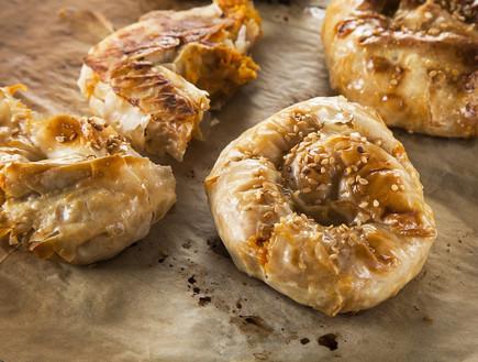 שבלולי פילו במילוי דלורית וגבינות (צילום: אפיק גבאי, אוכל טוב)
