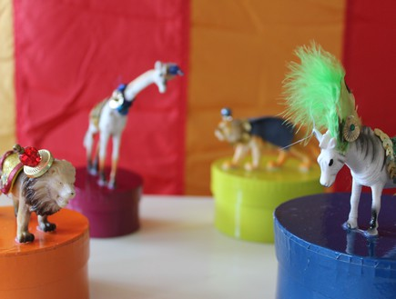 קרן בר 01, סט חיות פלסטיק שאין לאף אחד אחר (צילום: karenb.co.il)