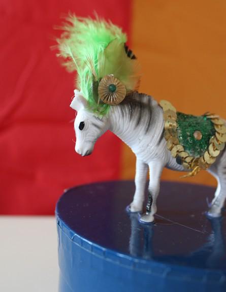 קרן בר 02, להלביש את החיות בבגדים אופנתיים (צילום: karenb.co.il)