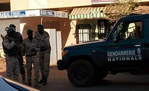 בני ערובה במאלי (צילום: sky news)