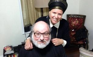 פולארד אחרי השחרור עם רעייתו אסתר, היום (צילום: המטה לשחרור פולארד)