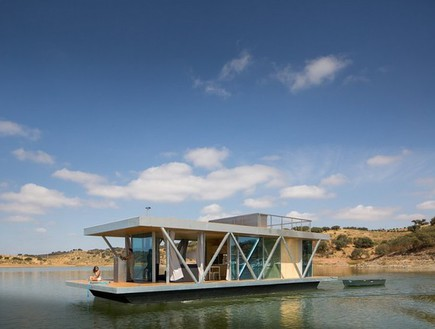friday floatwing floating house
