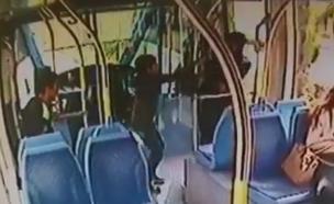 דקירת מאבטח רכבת קלה (צילום: חדשות 2)