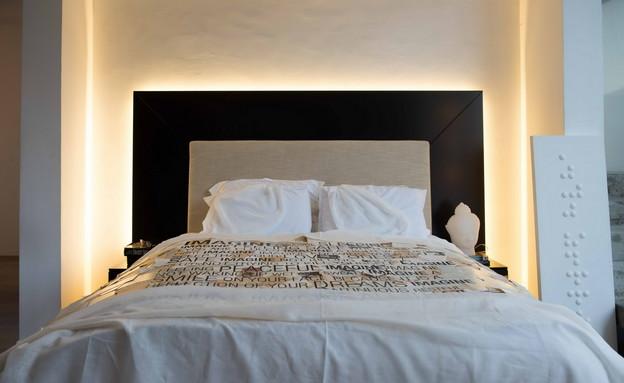 מתוך הספר מעצבים חדר שינה מיטה בעיצובו של עודד שטר (צילום: גלעד רדט)