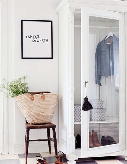 אחסון חורף, אחסון בארון זכוכית בעיצוב lascositasdebeacheau ג (צילום: מתוך פינטרסט)