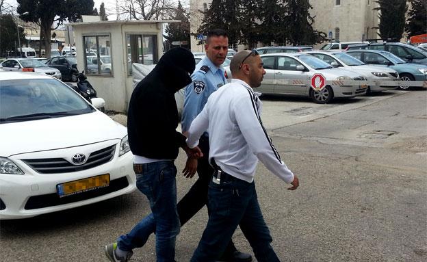 מעצר חשוד (צילום: חדשות 2)