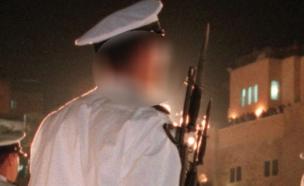 "טוען שהותקף ע""י קצין: ""חנק אותי"" (צילום: רויטרס)"