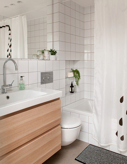 פנינית שרת, מקלחת ילדים גובה (צילום: גלית דויטש)