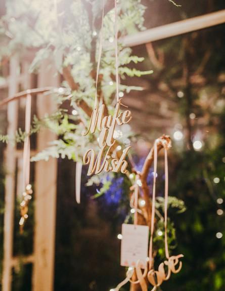 חתונות 18, חיתוכי לייזר של מילים ואותיות (צילום: עידן חסון, עיצוב-מינט דיזיין)