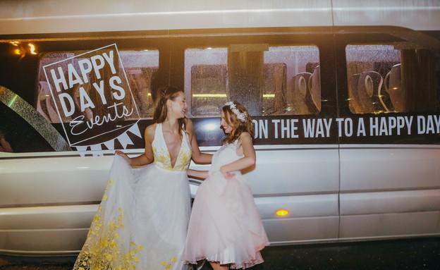 חתונות 21, שירות הסעה ממותג אל הארוע וממנו (צילום: עידן חסון, הפקה-Happy Days)